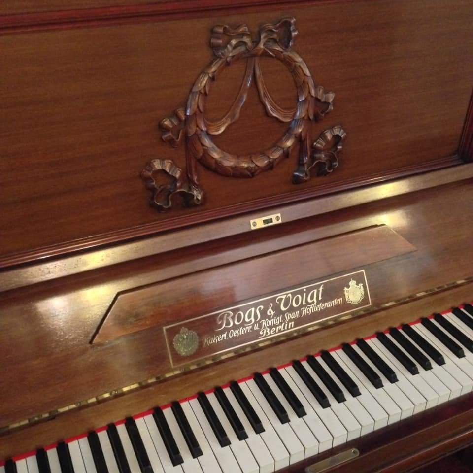 BOGS & VOIGT Concert upright piano 09