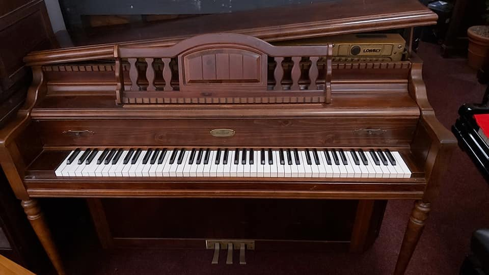 LOWREY Normal L Stein design spinet piano 04