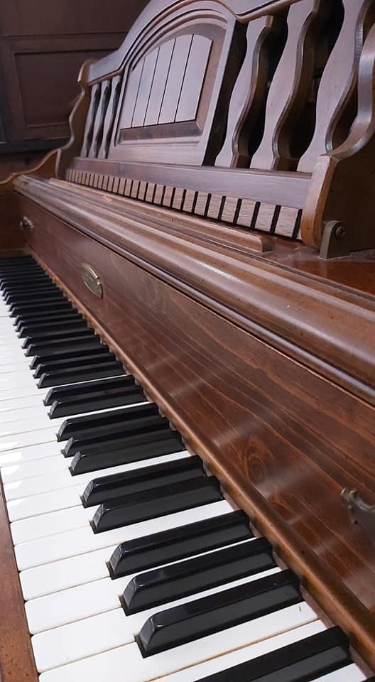 LOWREY Normal L Stein design spinet piano 05