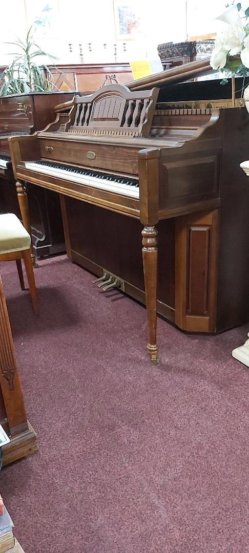 LOWREY Normal L Stein design spinet piano 08