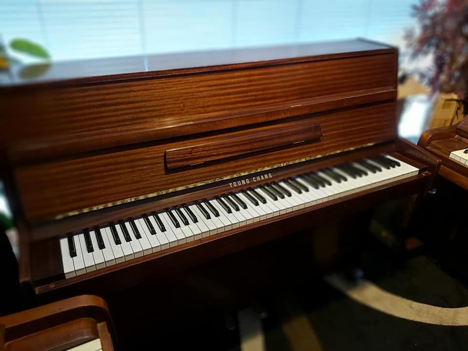 YOUNG CHANG upright piano 03